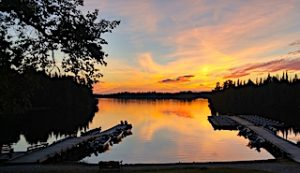 Fireside Lodge Beautiful Canadian Sunset With Boat Docks